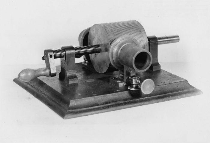 Edison-First-phonograph-18771 copy
